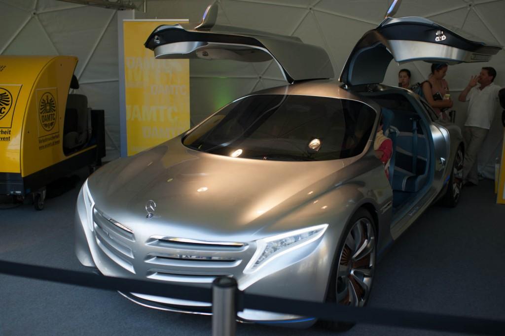 Das aktuelle Forschungsfahrzeug F125! von Mercedes Benz