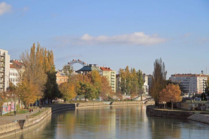 17 Kilometer durch einige der interessantesten Gegenden Wiens: Der Donaukanalradweg ist eine abwechslungsreiche Genussstrecke. Copyright: Shutterstock/Andrew Babble