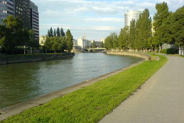 Mitten im Zentrum und doch am Wasser: Der Donaukanal.