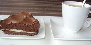 Schokolade, fest und flüssig.