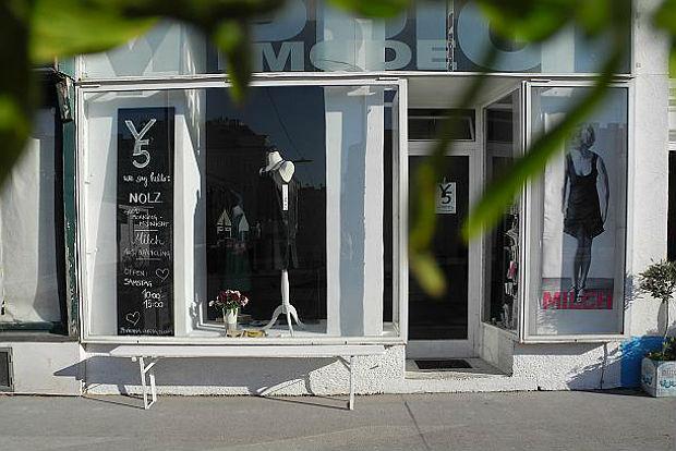 Milch: Yppenplatz 5, 1160 Wien.