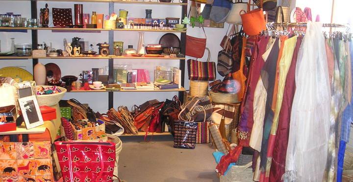 Weltladen: 6 x in Wien, zB Schwarzspanierstraße 15, 1090 Wien.