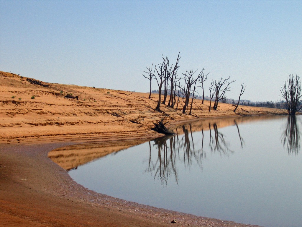Lake Hume in drought_6523 © Tim J Keegan / Flickr
