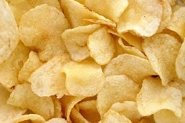 Chips: Auch Chips können eingefroren werden. Einfach vor dem Verzehr ein paar Minuten auftauen lassen