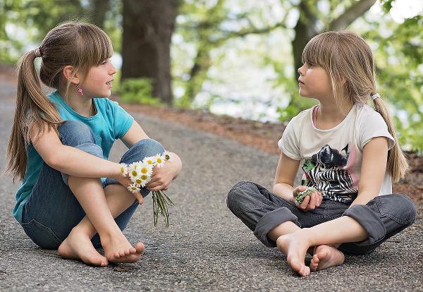 Kinder lieben Geschichten - Photocredit: pixabay.com/Pezibear