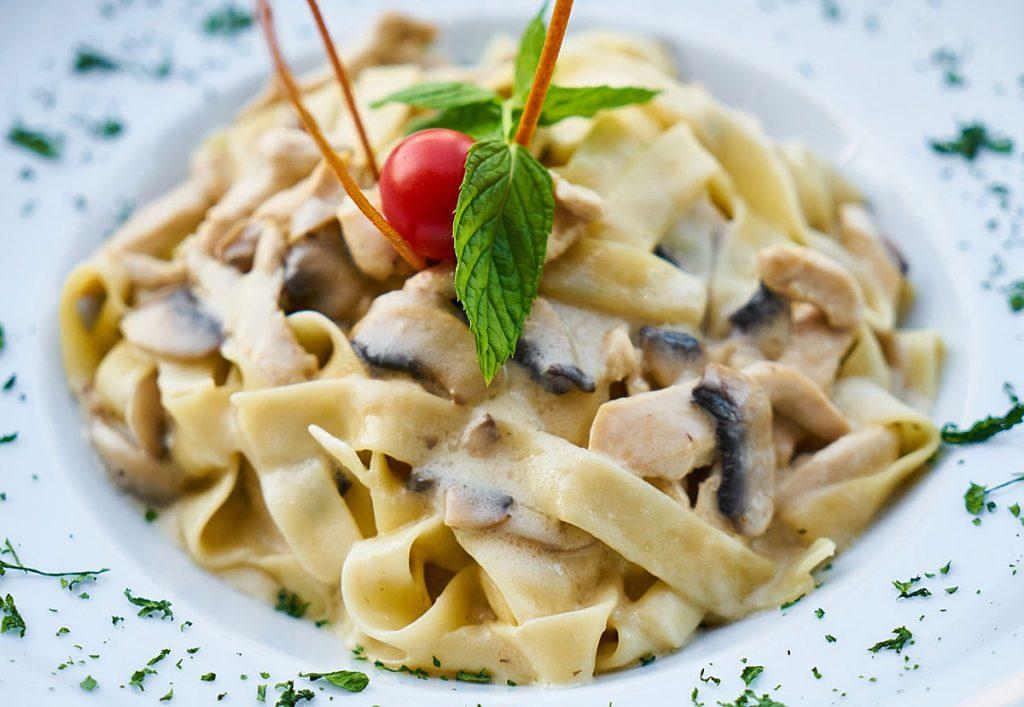 2. One Pot-Pasta mit Pilzen und Gemüse