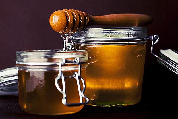 4. Honig lindert den Hustenreiz und soll antibiotishc wirken
