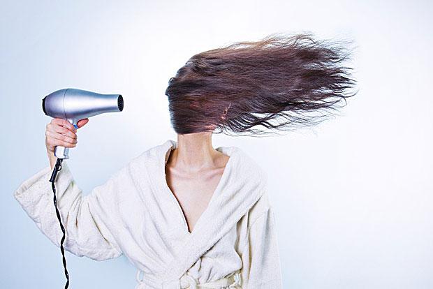 5. Haarspülung aus Apfelessig