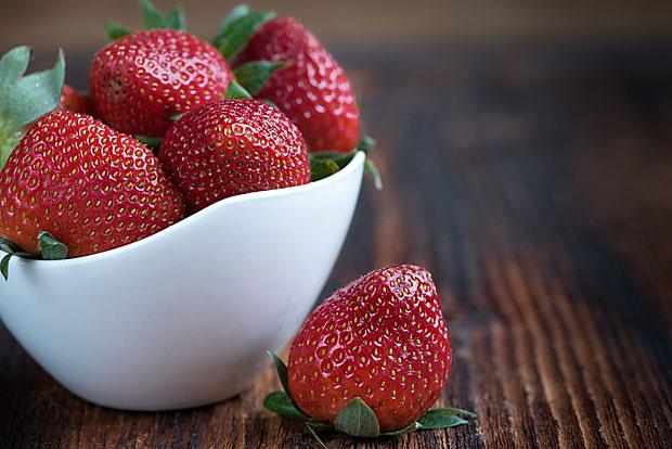 1. Erdbeeren: Die Spitzenreiten enthielten bis zu 22 unterschiedliche Pestizid