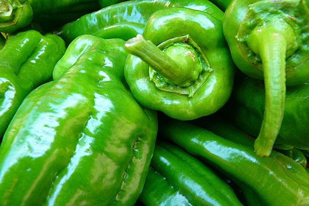 12. Paprika: Diese enthielten zwar weniger, dafür aber besonders giftige Pestizide