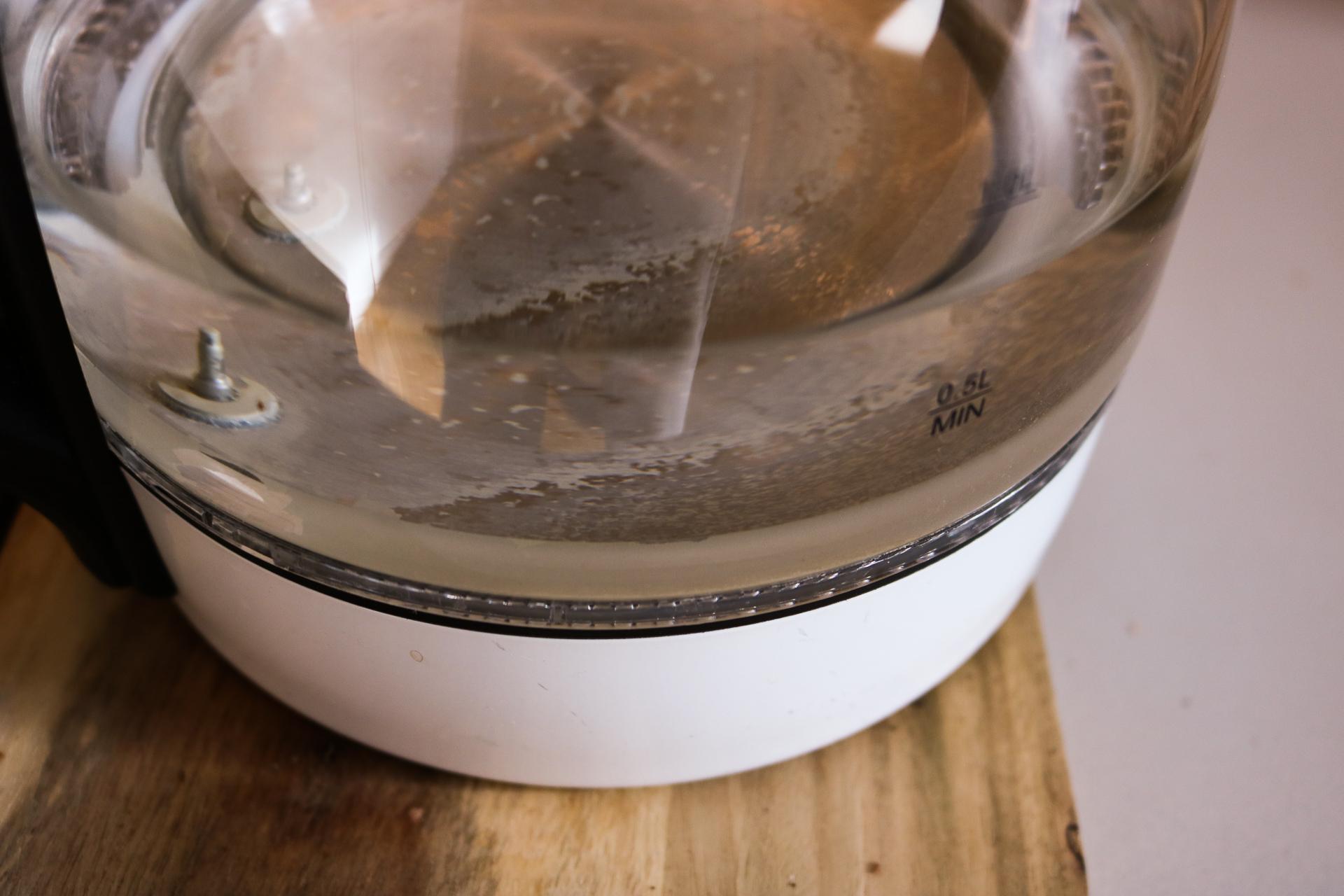 Auch meinen Tee gieße ich täglich mit frischem Wiener Wasser auf- und es wir jedes Mal herrlich. Fotocredit: Laurel Koeniger
