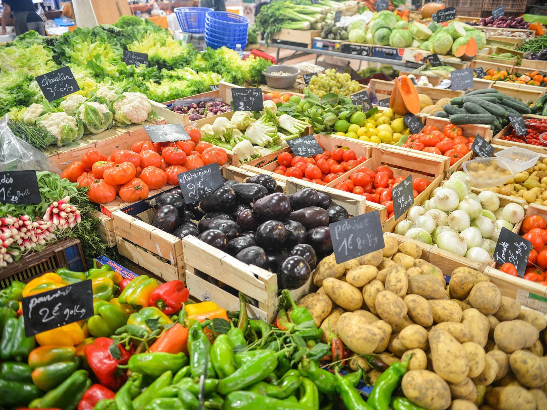 Marktstand Obst und Gemüse