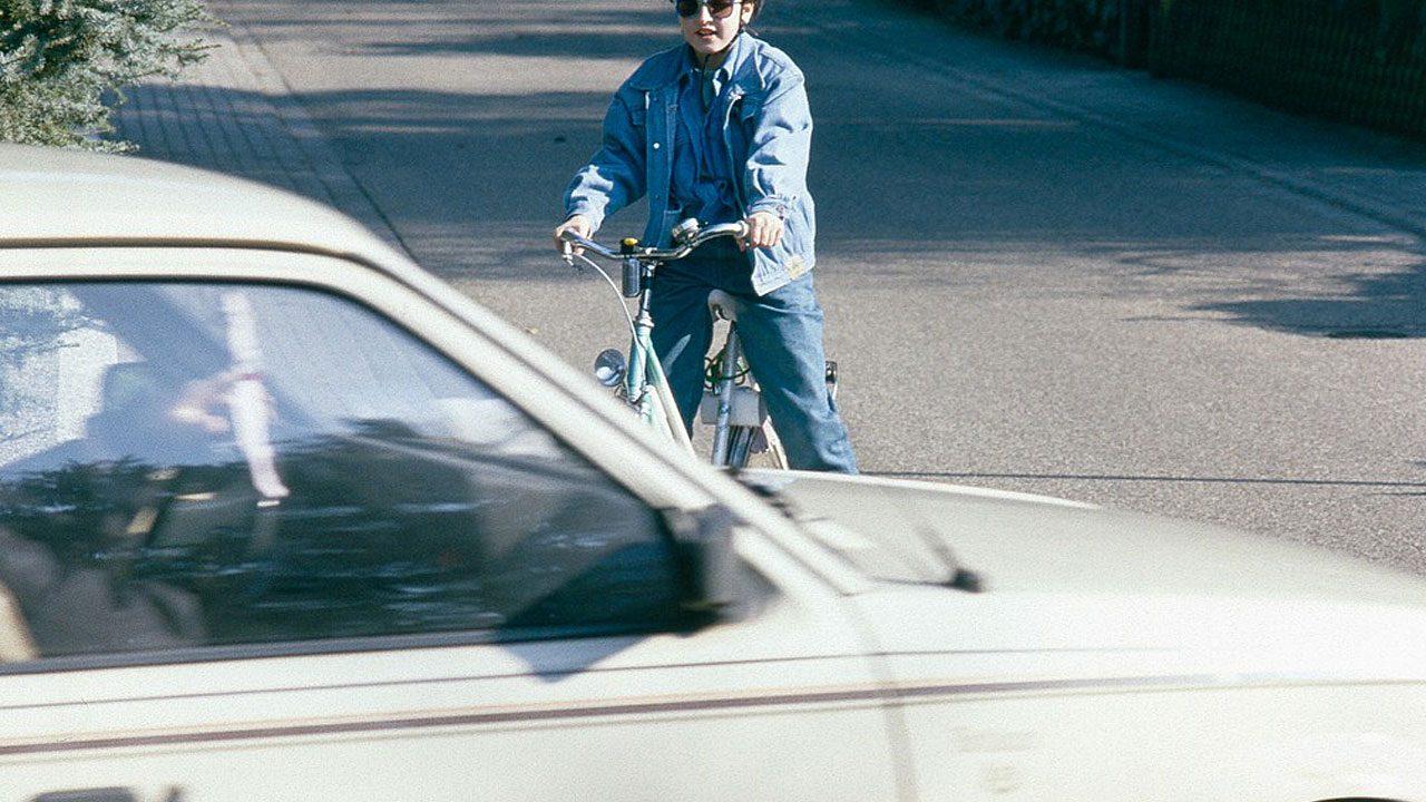 2. Sehen und gesehen werden. Versichere dich als Radfahrer, dass du gesehen wirst, bevor du die Richtung änderst. Fotocredit: Pixabay/Derks24