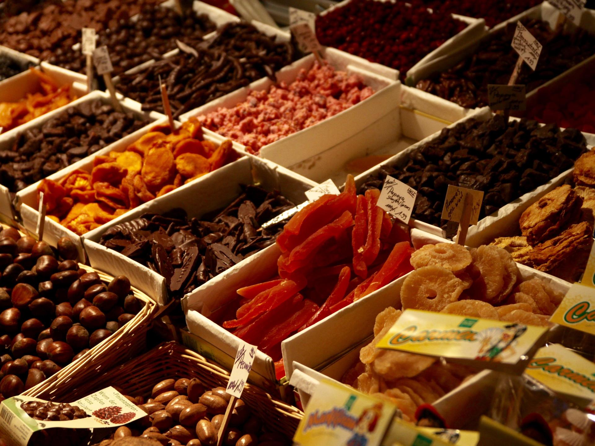 Die getrockneten Früchte auf Märkten sind oft speziell behandelt und sehen daher anders aus als die selbst getrockneten - Photocredit: pixabay.com/butterflyinjune