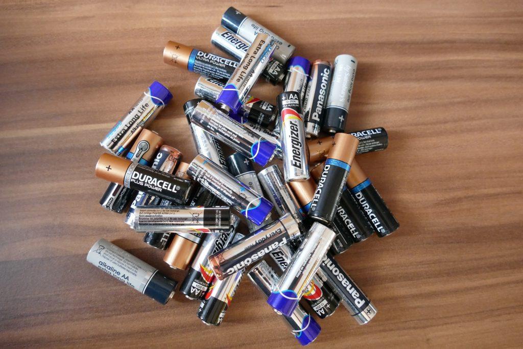 Batterien bitte nicht in den Hausmüll! – © pixabay.com