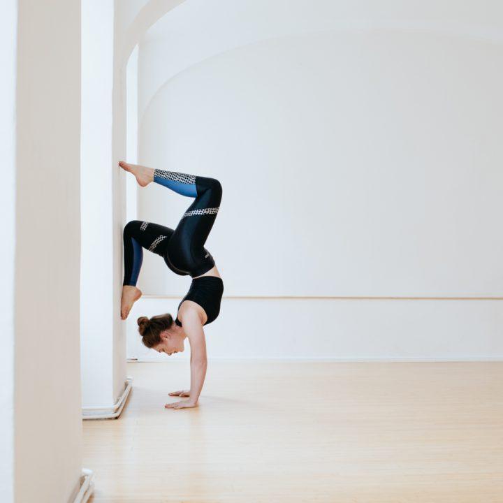 Die Sportswear eignet sich nicht nur fürs Yoga ... -Fotocredit: Saskia Stolzlechner