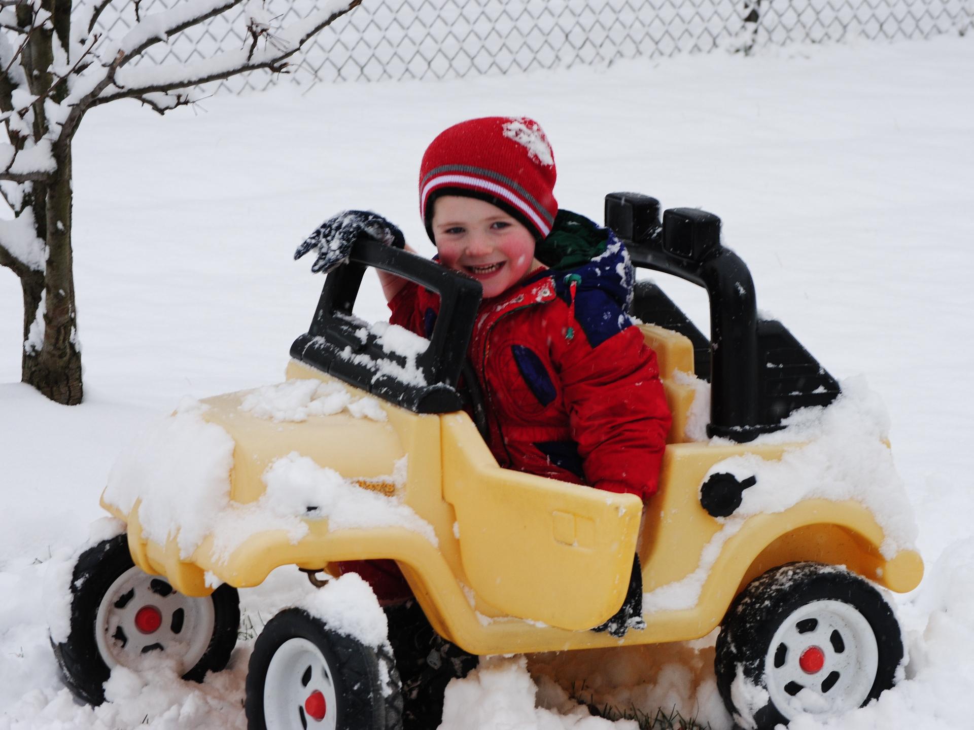 Kinder sind gute Vorbilder. Ihnen macht die Kälte oft viel weniger aus. - Photocredit: pixabay.com/Theresamcgee