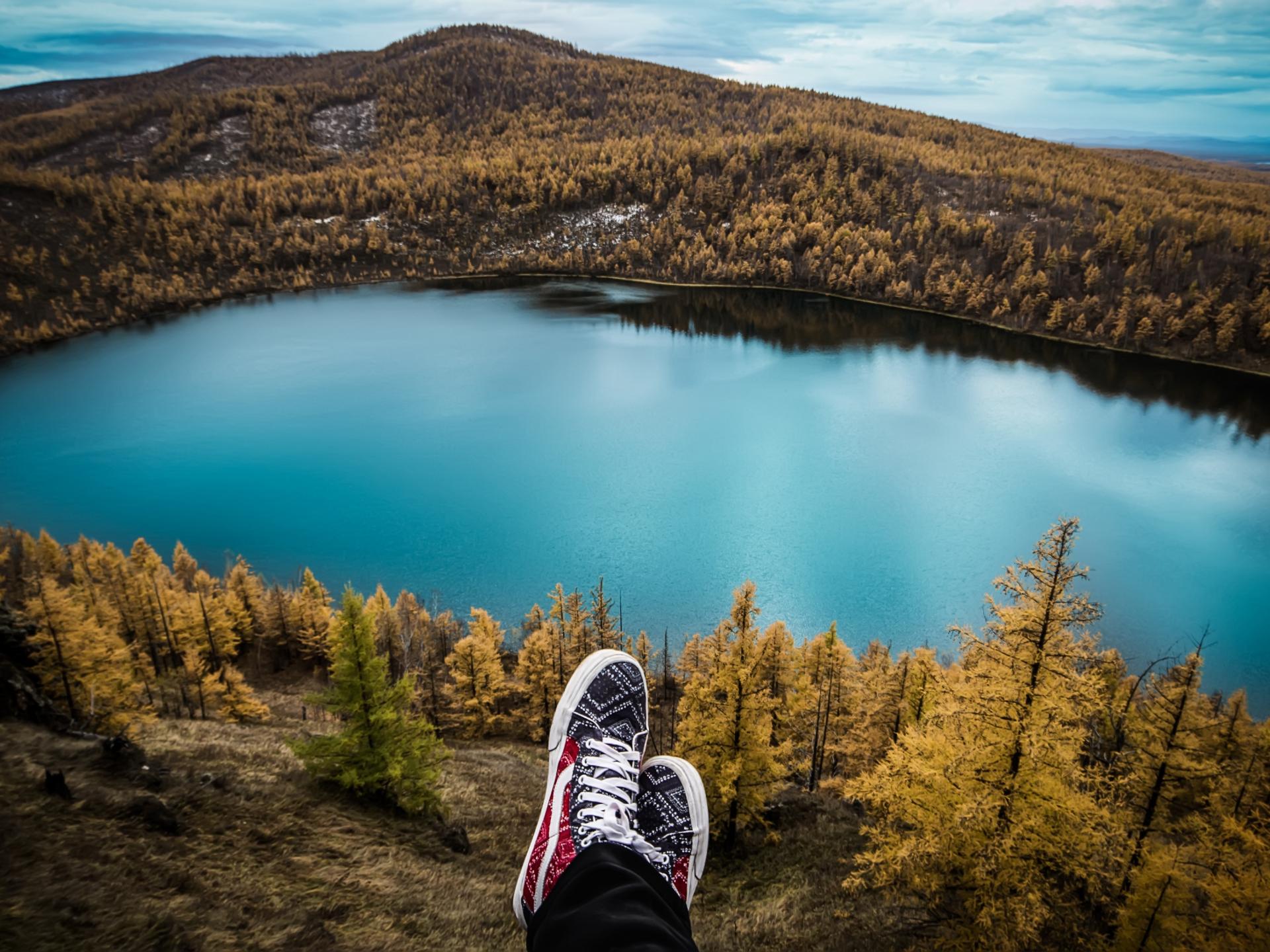 Wandern und in der Natur sein ist ein tolles Beispiel für Slow Travel - Photocredit: pixabay.com/asmuSe