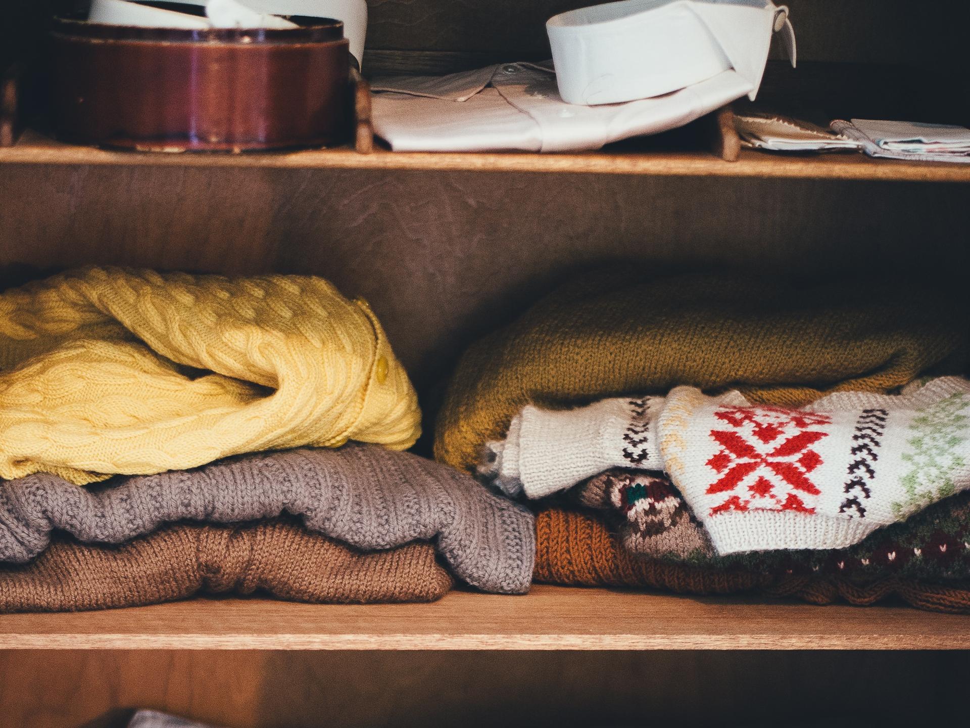 Es ist oft sehr überraschend, was man alles im eigenen Kasten für Schätze findet. Auch Wintermäntel könnten darunter sein. - Photocredit: pixabay.com/Pexels
