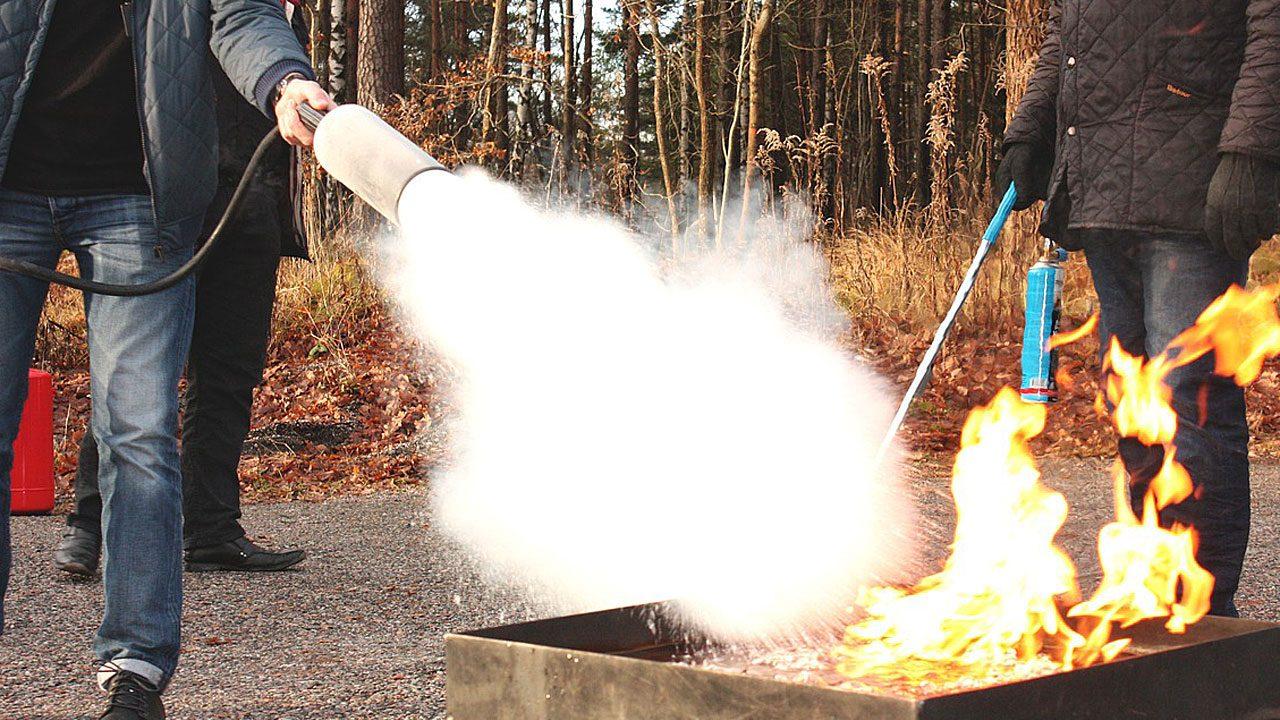 6. Besuche einen Löschkurs bei der Feuerwehr! - Fotocredit: pixabay/BlommenhofUtbildning
