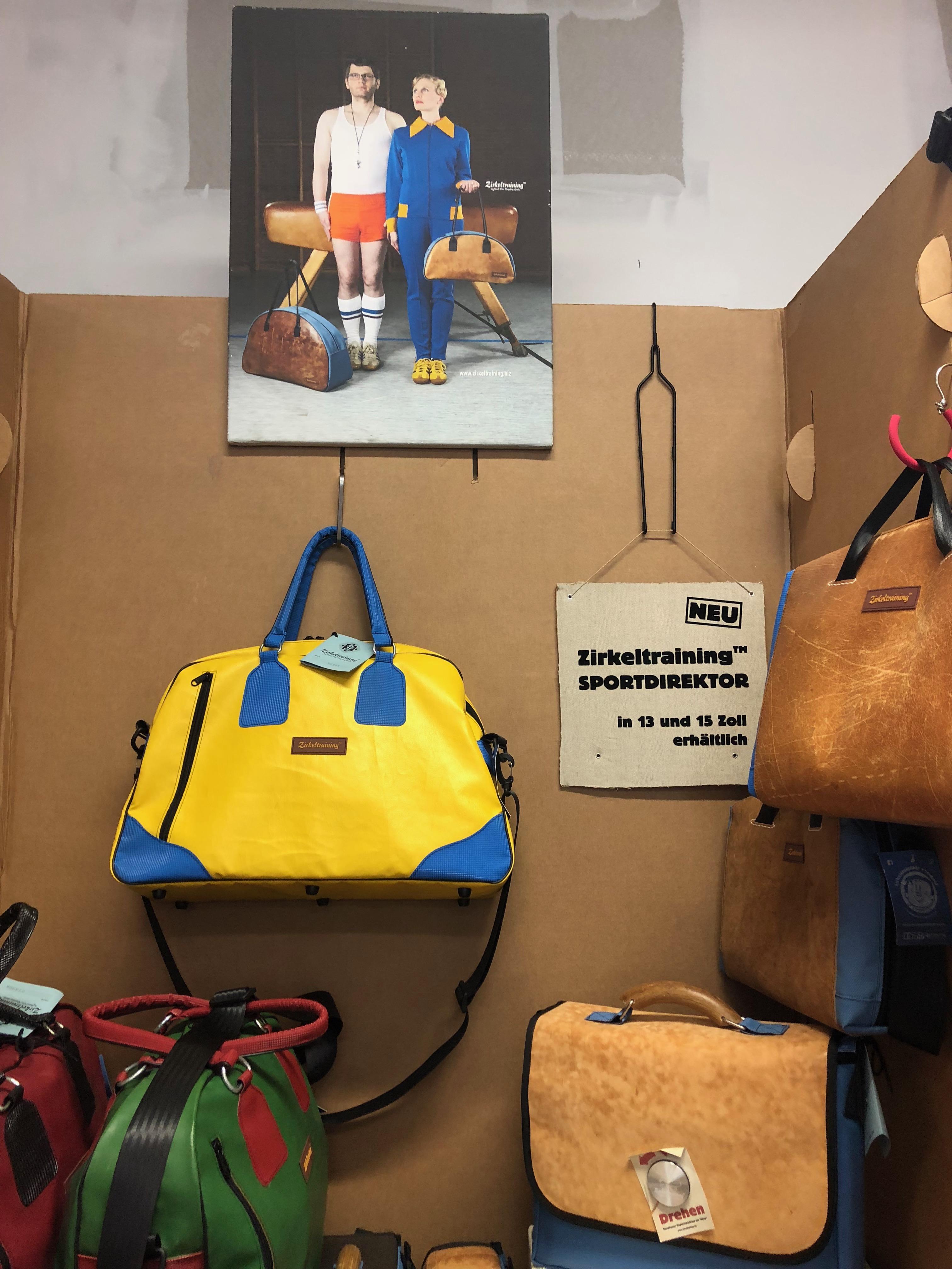 Taschen mit schweißreibendem Vorleben. -Photocredit: Lisa Radda