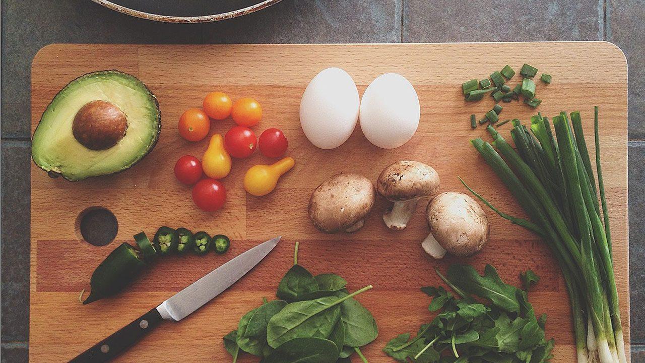 1. Räum den Geschirrspüler aus, bevor du zu kochen beginnst. -Fotocredit: Pixabay/Pexels