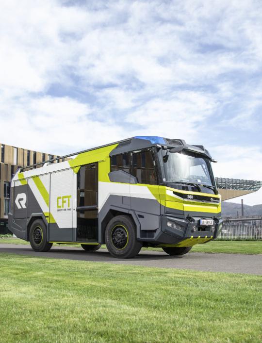 """Der """"Concept Fire Truck"""" (CFT) ist die Basis für das elektrische Löschfahrzeug – Bild: © Rosenbauer International AG"""