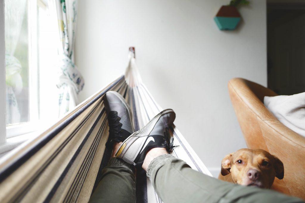 Sich in den Schlaf schaukeln lassen? Das macht auch bei Erwachsenen Sinn. / Foto: © pixabay.com