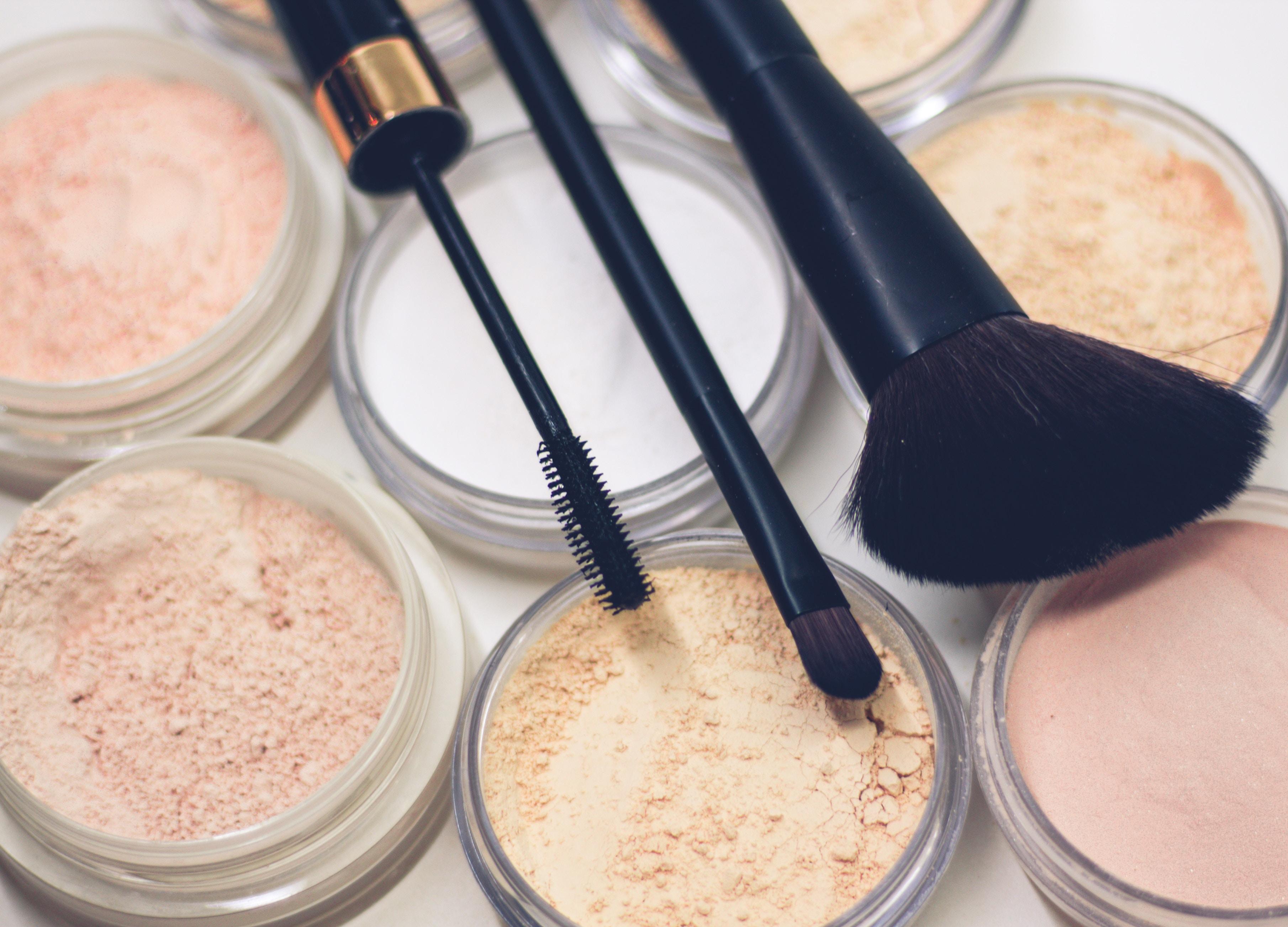 Mit ein bisschen Geschick und Kreativität lässt sich Kosmetik auch ganz einfach selber herstellen. -Photocredit: Raphael Lovaski/Unsplash
