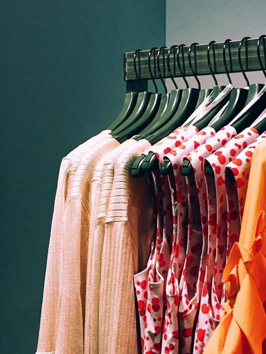 FairFashion wird auch Faire oder Grüne Mode genannt. -Photocredit: Marcus Loke/Unsplash