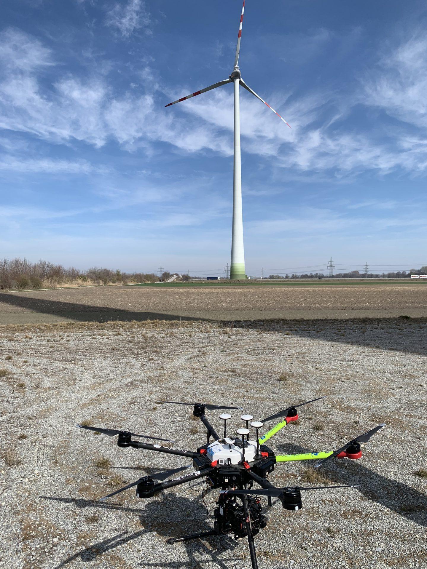 Drohnenwartung aus nächster Nähe; Fotocredit: Energieleben Redaktion