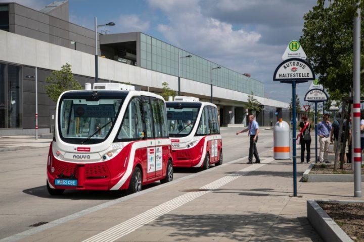 Autonomer E-Bus in der Seestadt; Fotorechte: (c) Manfred Helmer/Wiener Linien