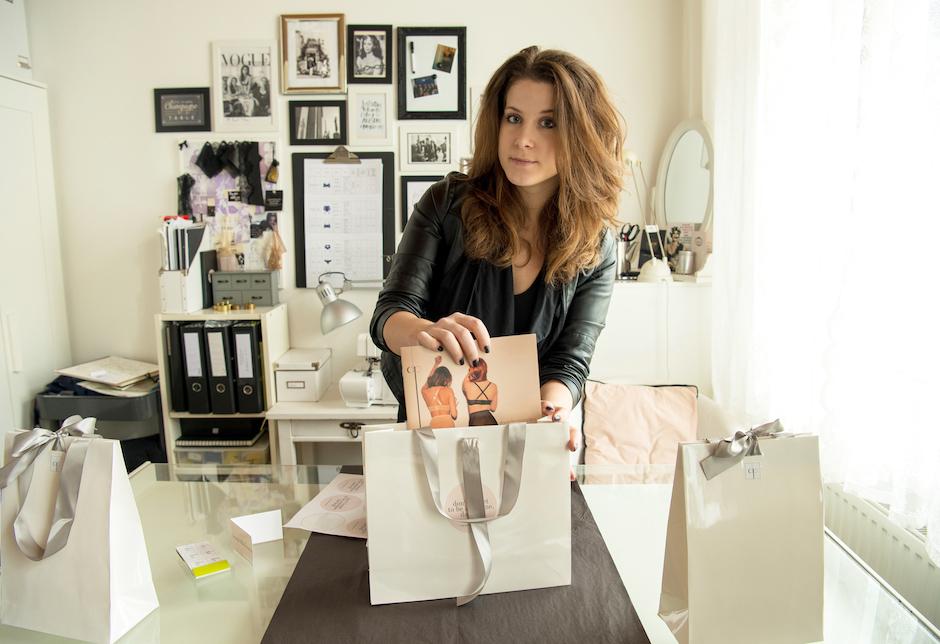 Die Designerin Daniela Paradeis in ihrem Studio in Wien. -Fotocredits: Rudolf Paradeis