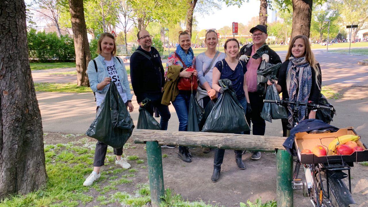 Instawalk Müllsammeln Instagrammer Gruppenfoto. Fotocredit: Energieleben Redaktion