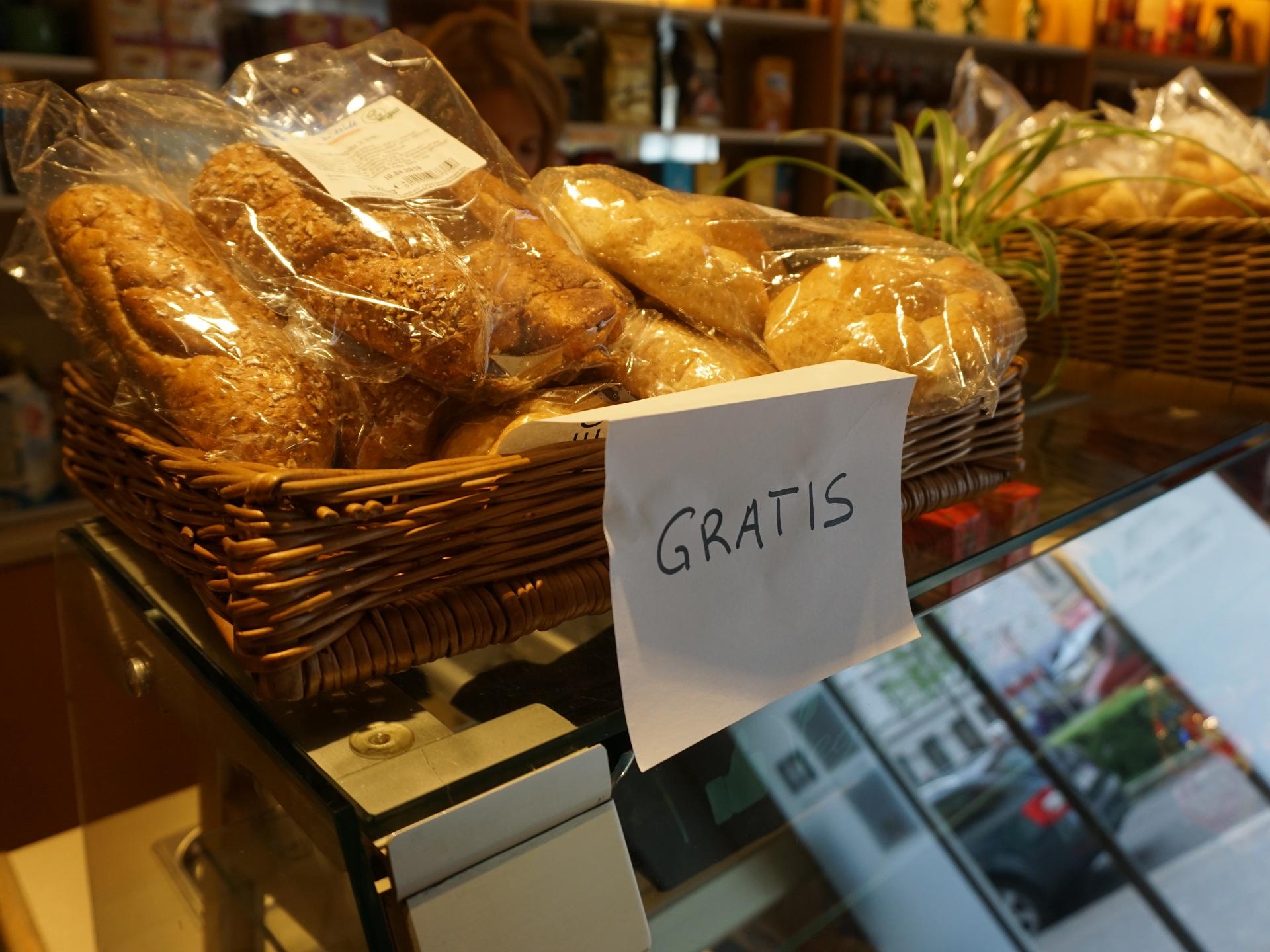 Wenn von etwas besonders viel da ist, kann es auch sein, dass die Lebensmittel nicht nur günstig sondern gratis vergeben werden. - Photocredit: Elisabeth Demeter