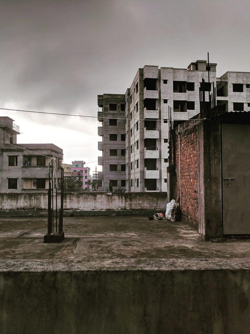 Der Einsturz des Rana Plaza in Bangladesh hat vielen Menschen die Augen geöffnet, doch der Weg hin zu einer fairen Modeindustrie ist noch lang. Fotocredits: Abdullah Miraz/Unsplash