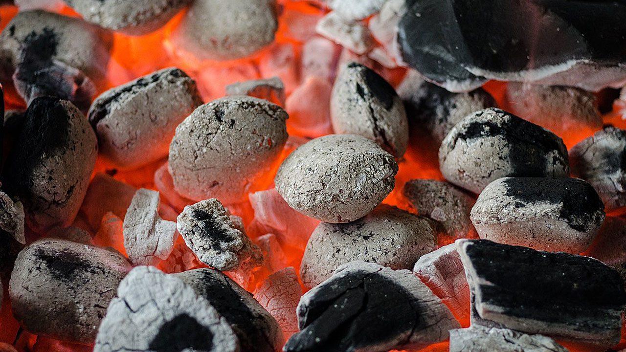 2. Umweltfreundliche Grillanzünder kannst du leicht selber herstellen. - Fotocredit: Pixabay/Skitterphoto