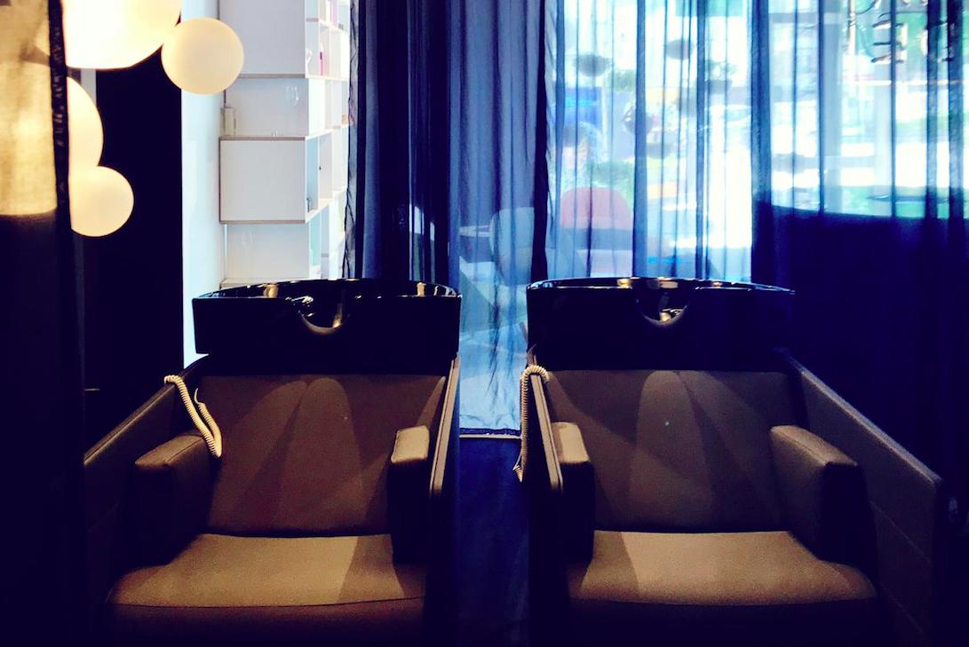 Zeit für Entspannung: Bei HADE gibt es die ersten Massage-Waschstühle dieser Art in Österreich / Foto: © Markku Savolainen