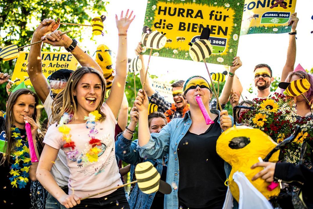 Beim Team*Aktiv von Global2000 ist die Freude über das im April 2018 beschlossene europaweite Neonics-Verbot groß. -Fotocredits: Christopher Glanzl
