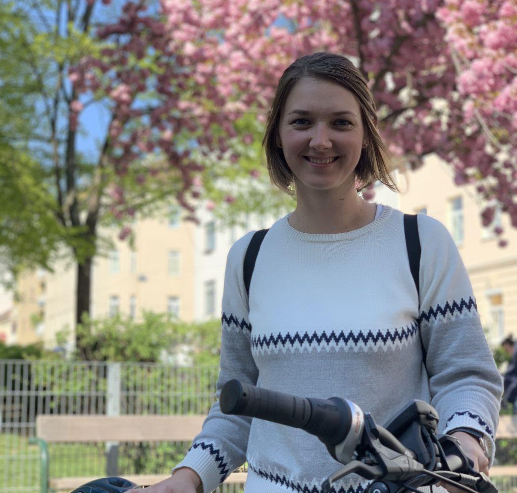 Energieleben-Bloggerin Pia mit E-Bike, Fotocredit: Energieleben Redaktion