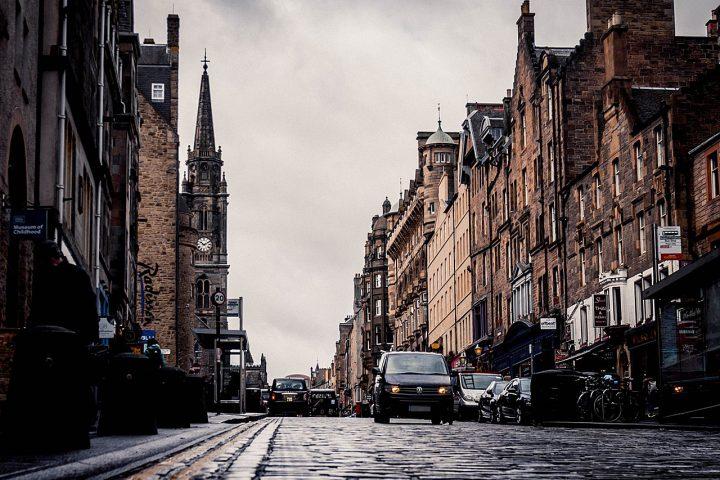 Edinburgh schließt ein Mal pro Monat Straßen in der Innenstadt für den Verkehr -Fotocredit: Pixabay/Semaka
