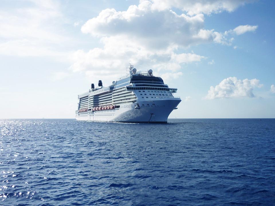 Hybride oder rein elektrische Antriebe könnten das Dieselmotorenproblem der Meere verringern / Foto: © pixabay.com