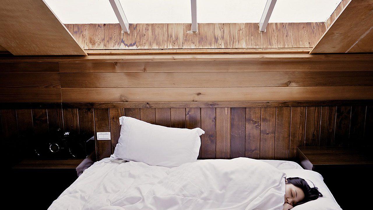 1. Jalousien tagsüber zu! So hälst du deine Wohnung kühl. - Fotocredit: Pixabay/Free-Photos