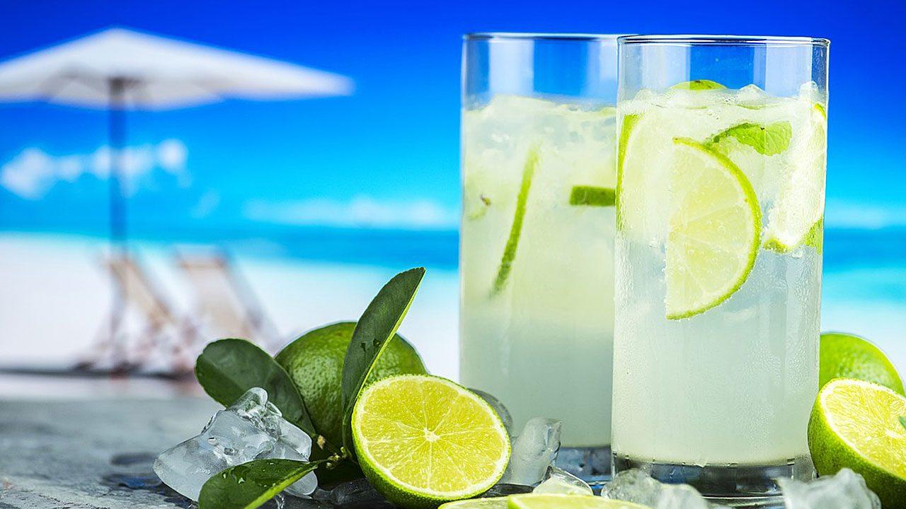 2. Bei Sonnenbrand sollte man viel trinken. - Fotocredit: Pixabay/rawpixel