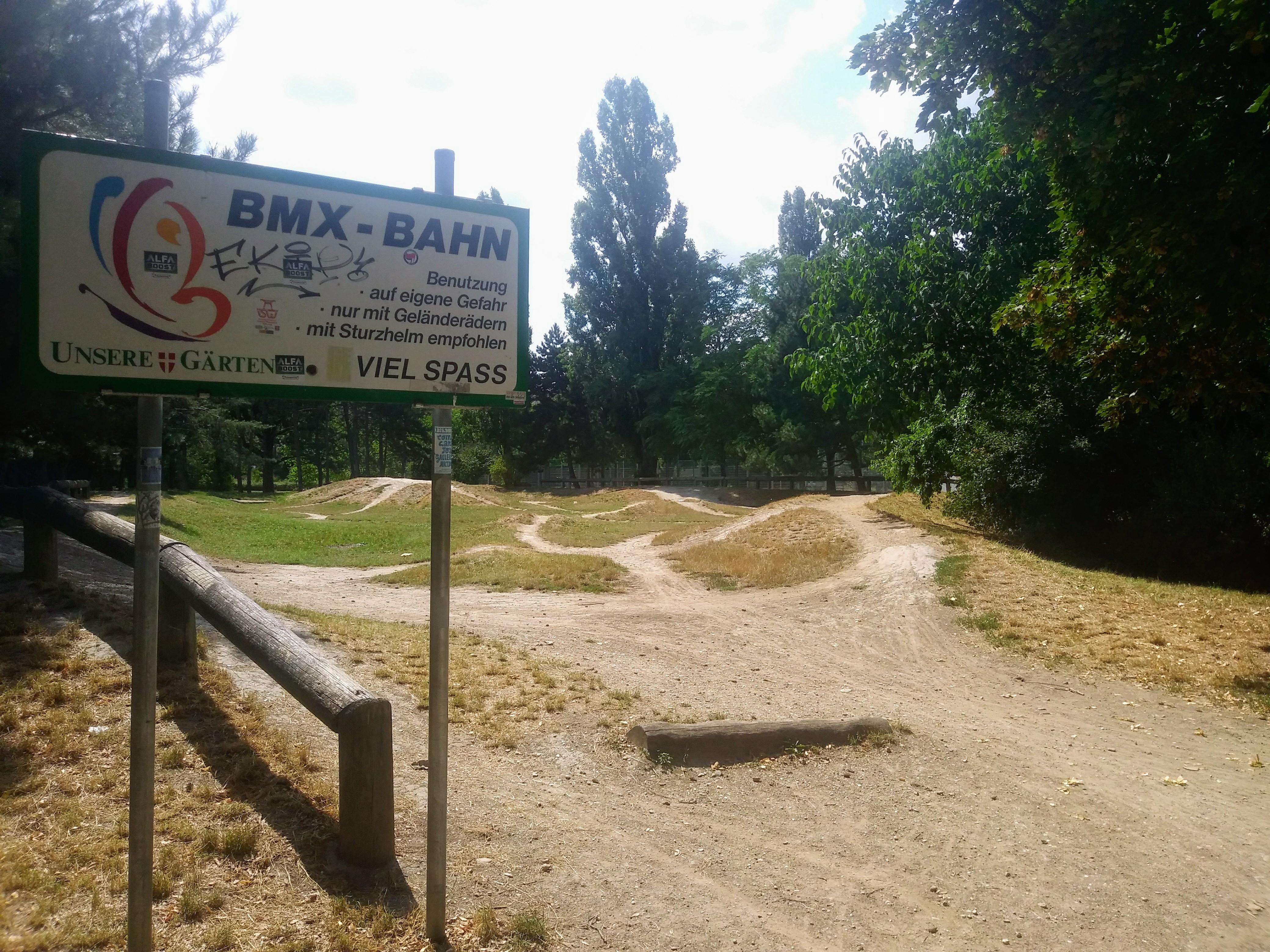 Die BMX-Bahn in der Hauptallee ist öffentlich zugänglich