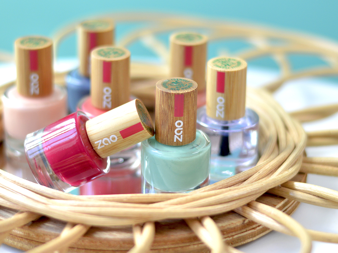 Die Lacke von ZAO -essence of nature enthalten zwischen 74% und 84% natürliche Inhaltsstoffe. -Fotocredits: ZAO