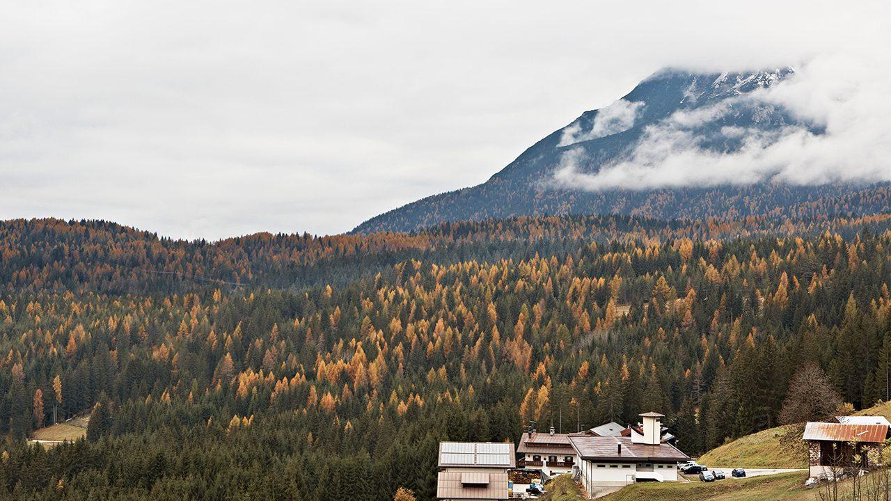 Was wie Urlaub aussieht, ist der Arbeitsplatz in den Dolomiten. Hier werden die VIU Brillen gefertigt. -Fotocredits: VIU