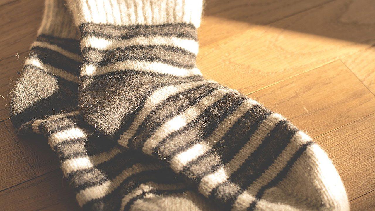 1. Wollsocken helfen gegen kalte Füße. So einfach das klingt - damit kannst du tatsächlich Erkältungen fernhalten! - Fotocredit: Pixabay/LUM3N
