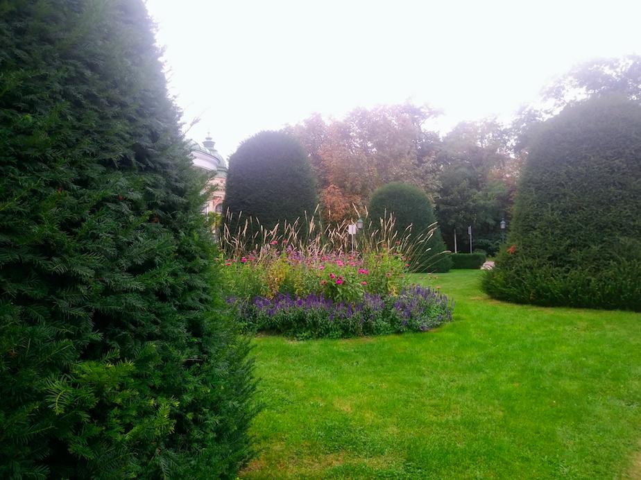 In manchen Bereichen des Parks hat man wirklich das Gefühl, man befinde sich in einem englischen Garten einer längst vergangenen Zeit.
