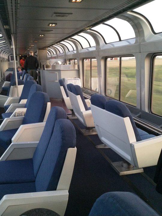 In den USA haben die Züge teilweise Speisewägen mit Panorama-Dach. - Photocredit: Elisabeth Demeter